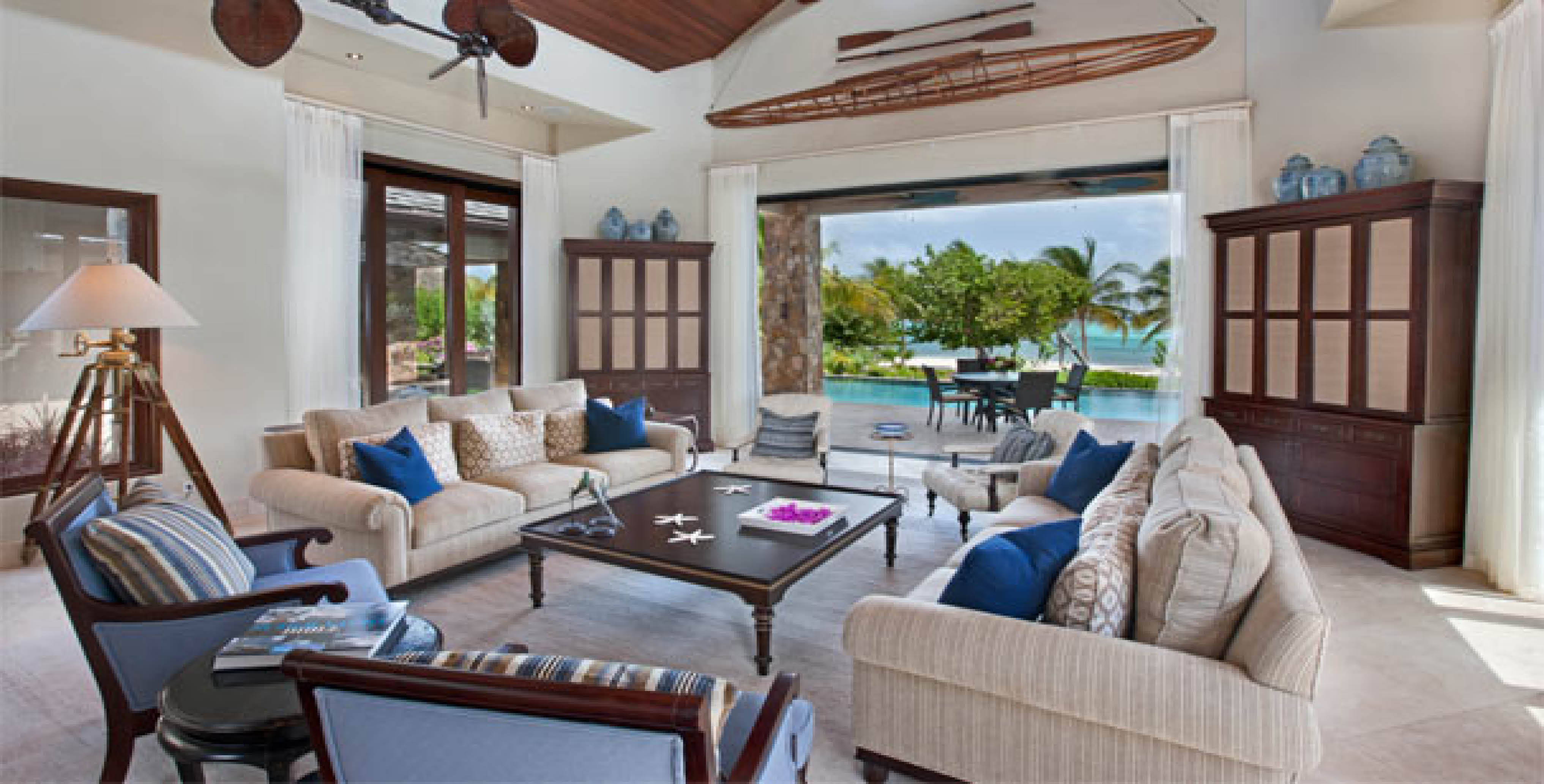Bella Beach Villa - Living Room